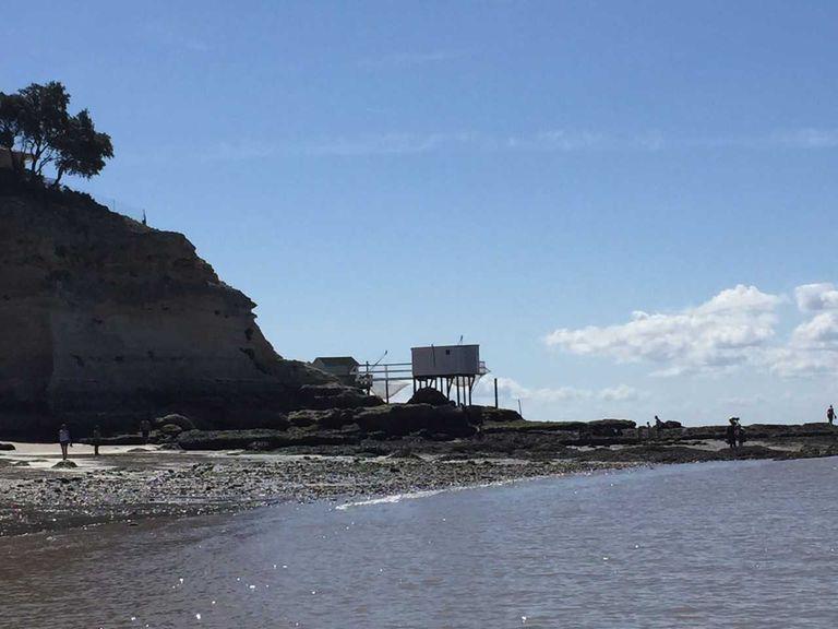 Les vacanciers de Pâques qui choisiront la plage pour destination devront composer avec les averses.