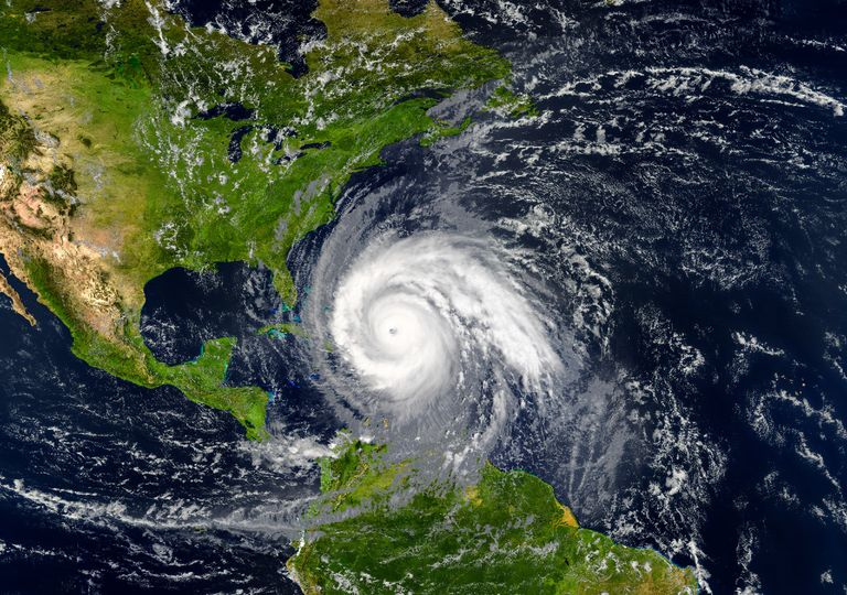 Ciclone tropical;