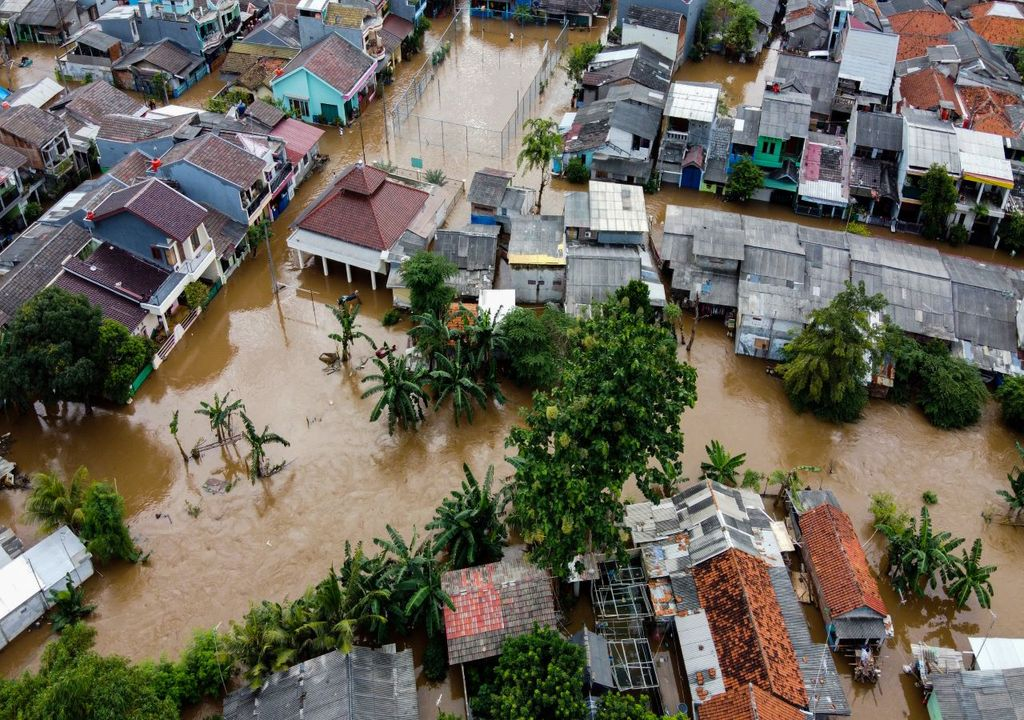 Floods in Indonesia - scientists warn of more climate impacts to come