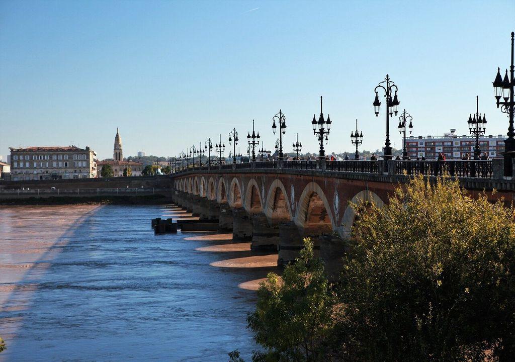 Soleil et 30°C prévus ce dimanche à Bordeaux.