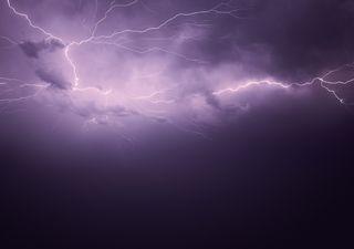 Scoperto il fulmine più lungo del mondo, un nube-nube di oltre 700 km