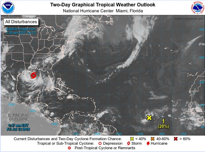"Imagen de satélite con Barry e Invest 93L, representado como ""X"", del 12 de julio de 2019. NHC"