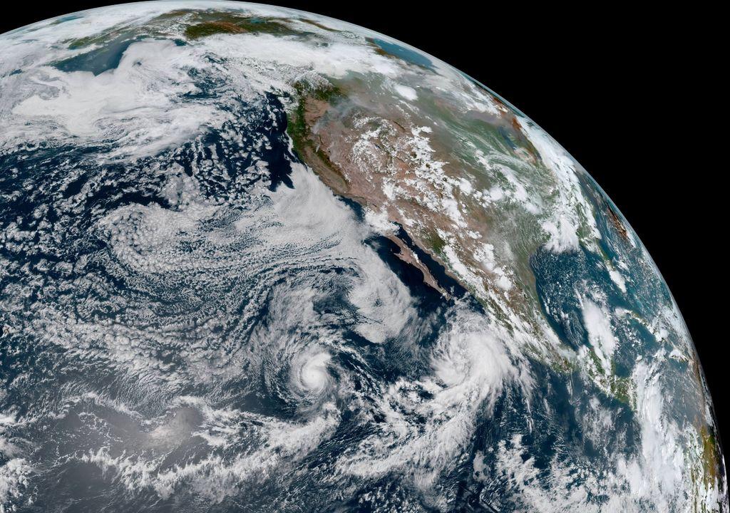 Huracan Felicia; Tormenta Tropical Guillermo