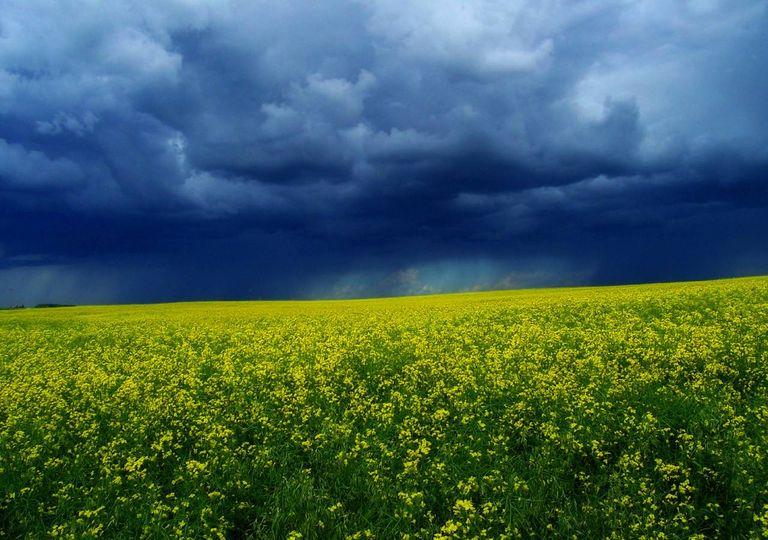 nuvens calma antes tempestade primavera maio tempo instável