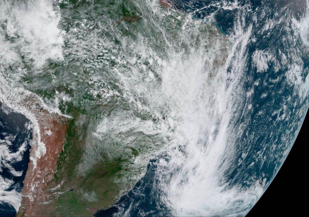 Tempestade Subtropical Kurumí