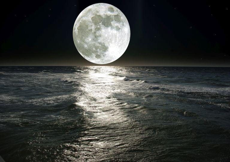 Wasser Mond