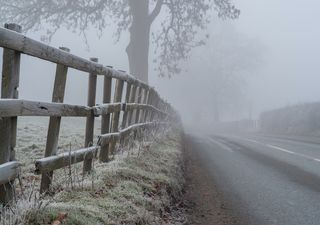 Snow warnings after freezing fog and frozen lakes