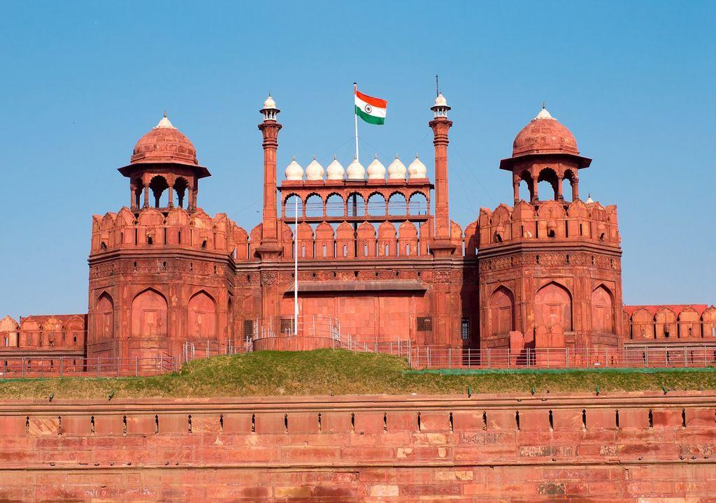Dans la capitale indienne, New Delhi, un ciel aussi bleu n'avait pas été observé depuis des décennies.