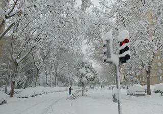 Spagna, ondata di freddo polare: ed a Madrid si spala ancora la neve