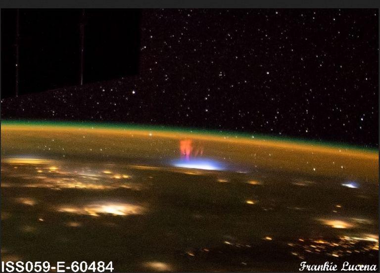Sprite rojos desde el espacio