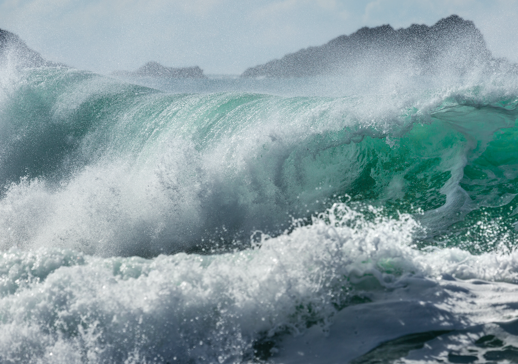 Storm Aiden, Cornwall waves.