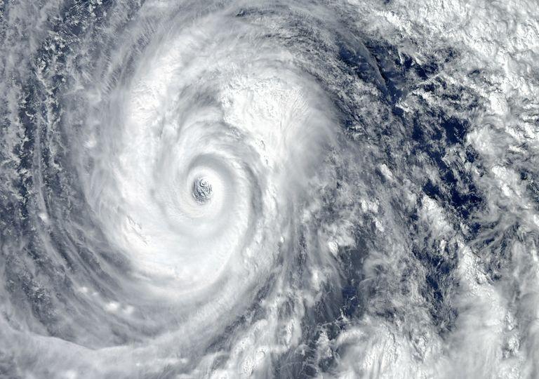 super tufão; furacão; pacífico