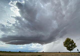 Tarde de lluvias fuertes, granizo y reventones ligados a supercélulas