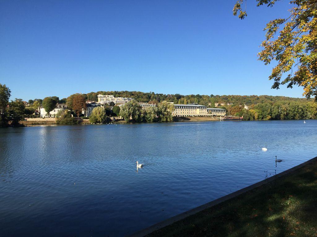Du bleu dans le ciel et des températures qui s'envolent... Un air d'été indien peut-il se manifester en octobre ?