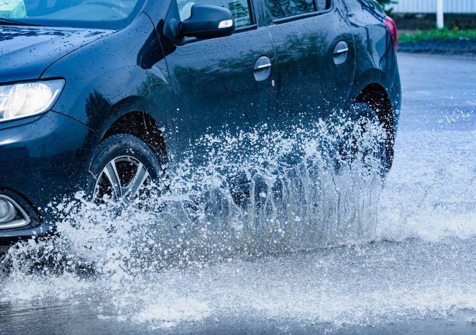 Carro à chuva