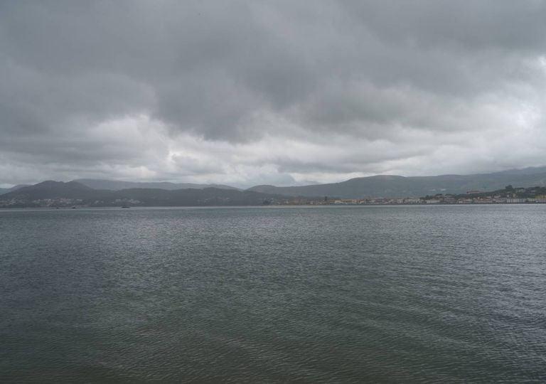 Rio Minho céu nublado chuva paisagem