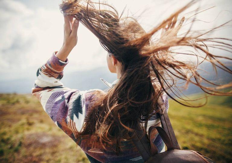 Cabelo de mulher ao vento