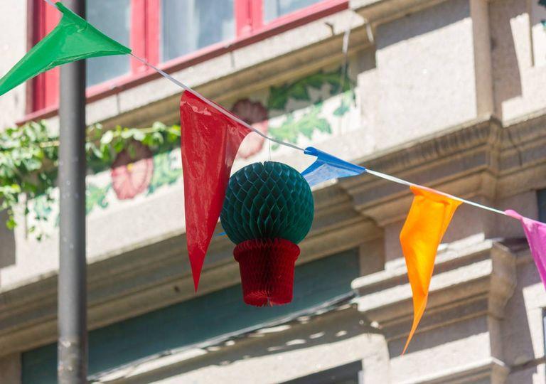 Manjerico elementos decorativos festa São João Porto Norte Portugal
