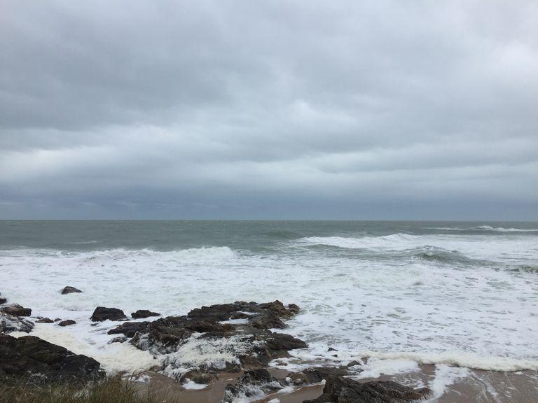 Pluies et vents forts s'annoncent fréquents jusqu'en fin d'année avec des risques de coups de vent ou tempêtes pour les côtes de l'ouest.
