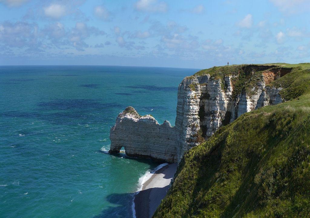 Le temps restera lumineux en Normandie dans une ambiance bien plus fraîche.