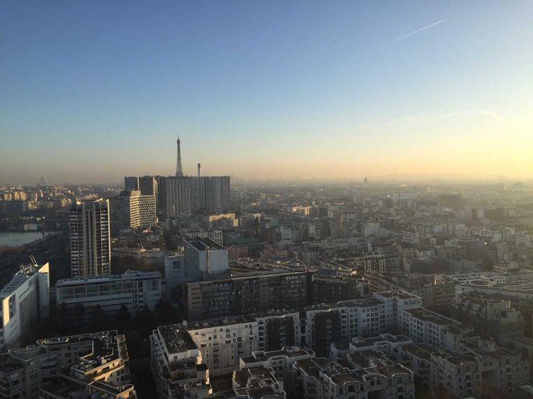 Après le pic de douceur et de pollution de fin février, Paris devrait renouer avec une météo printanière en 2ème quinzaine.