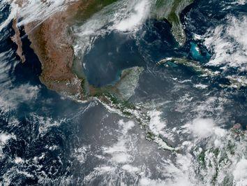 Calor, viento y tormentas eléctricas para esta semana en México