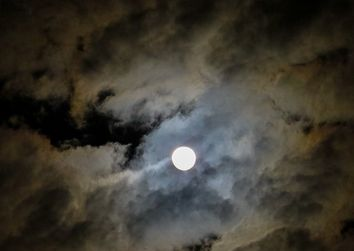 Eclissi lunare, riusciremo a vederla o il cielo sarà nuvoloso?