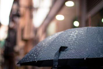 Fim de semana: Frente fria chega ao SE e chuvas continuam no NE