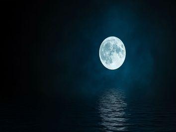 Lua Cheia Azul ilumina o céu amanhã: não perca!