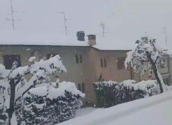 Neve a maggio, i video e le foto dall'Italia imbiancata