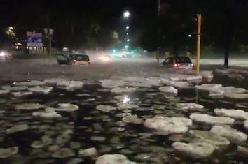 Queda de granizo e inundações surreais em Roma!