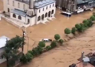 Clima extremo na Europa: Turquia está debaixo d'água!
