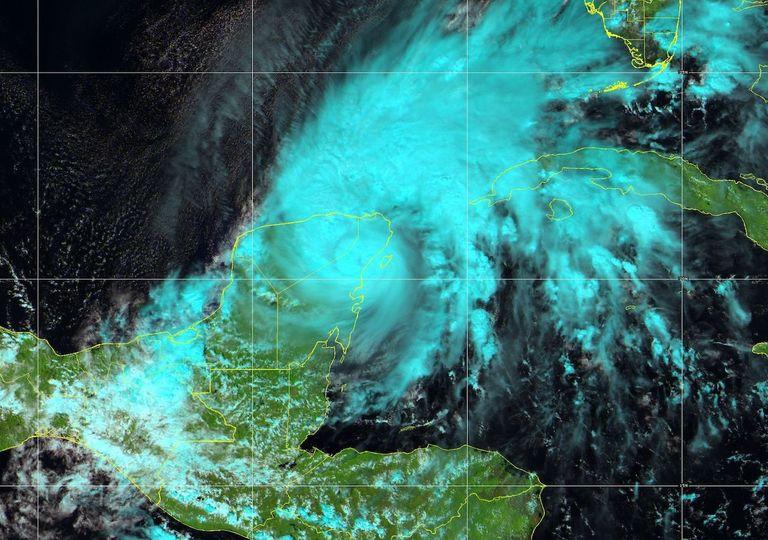 Tormenta Tropical Gamma en tierra