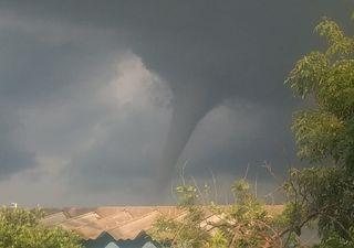 Tornado se presenta en El Salto, Jalisco