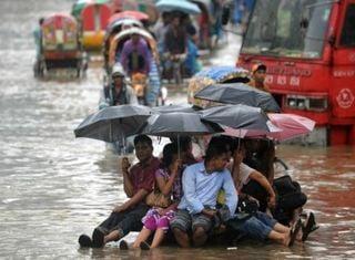 Überschwemmungen weltweit im August 2017