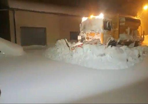 Coches sepultados por la nieve en las provincias de Castellón y Teruel