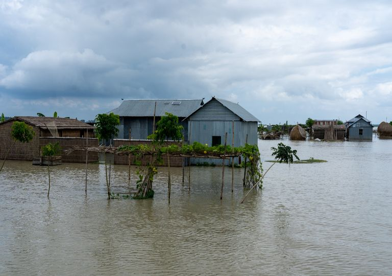 Inundações em Bangladesh. Alterações climáticas.