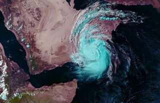 Un ciclón tropical extremo y mortal: Mekunu