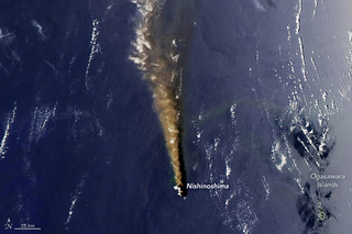 Una nueva isla volcánica nace para Japón
