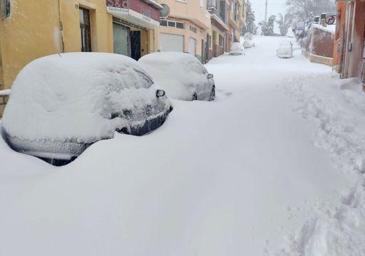 Olas de récord, 300 l/m2, nieve en cotas bajas ¡y ahora tormentas!