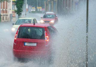 Unwetter durch Sturzfluten! Der Sommer wird weggespült!