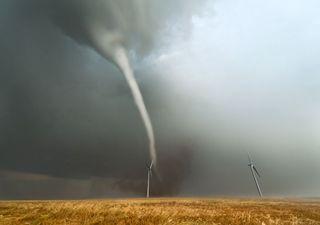 Tornadowarnung: Heute im Süden besser drinnen bleiben!