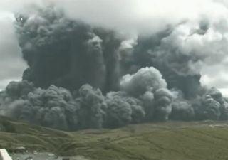 Violenta erupción en el monte Aso, ¡el supervolcán de Japón!