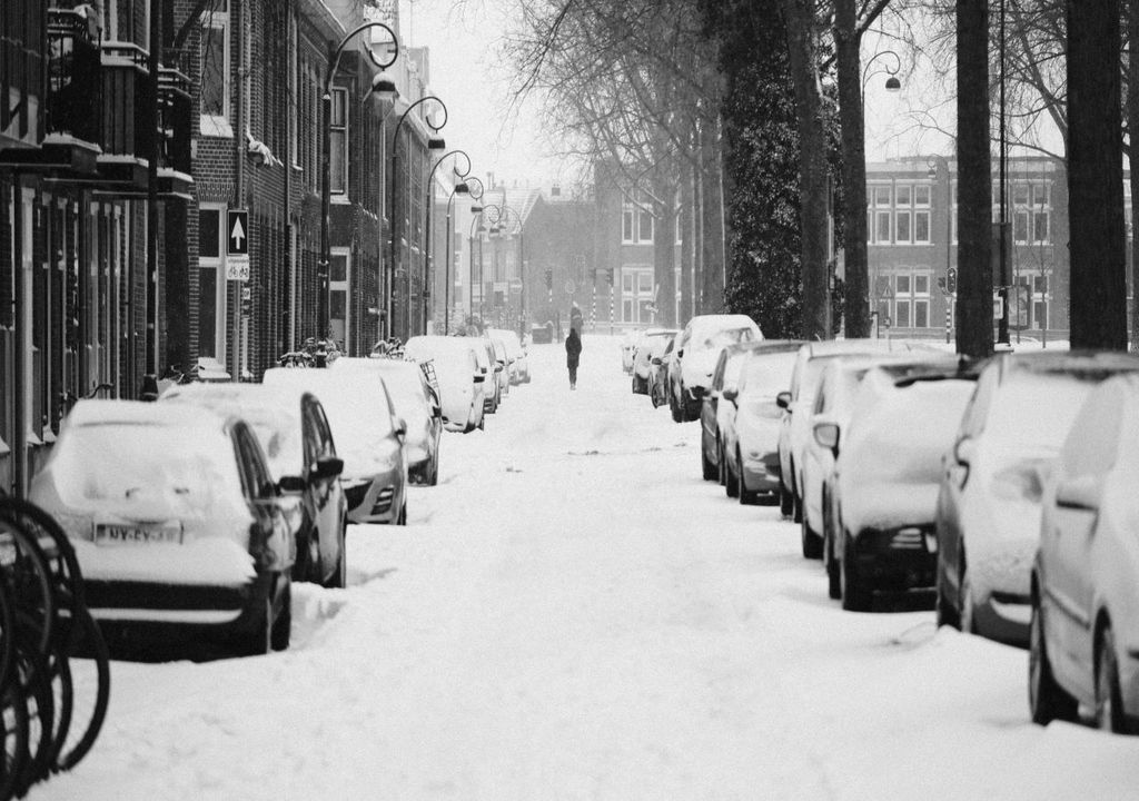 Winter weathers catches out nearly 40% of Brits