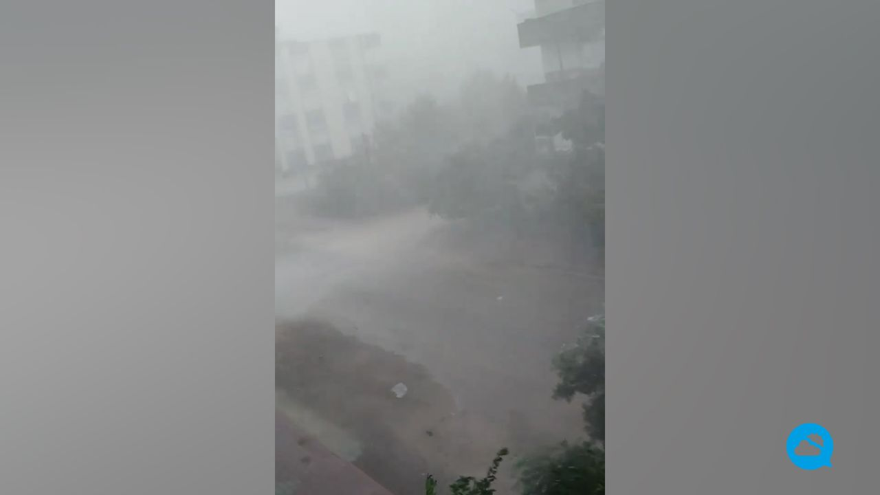 Spektakulärer Regen-Downburst in Kumluca, Türkei