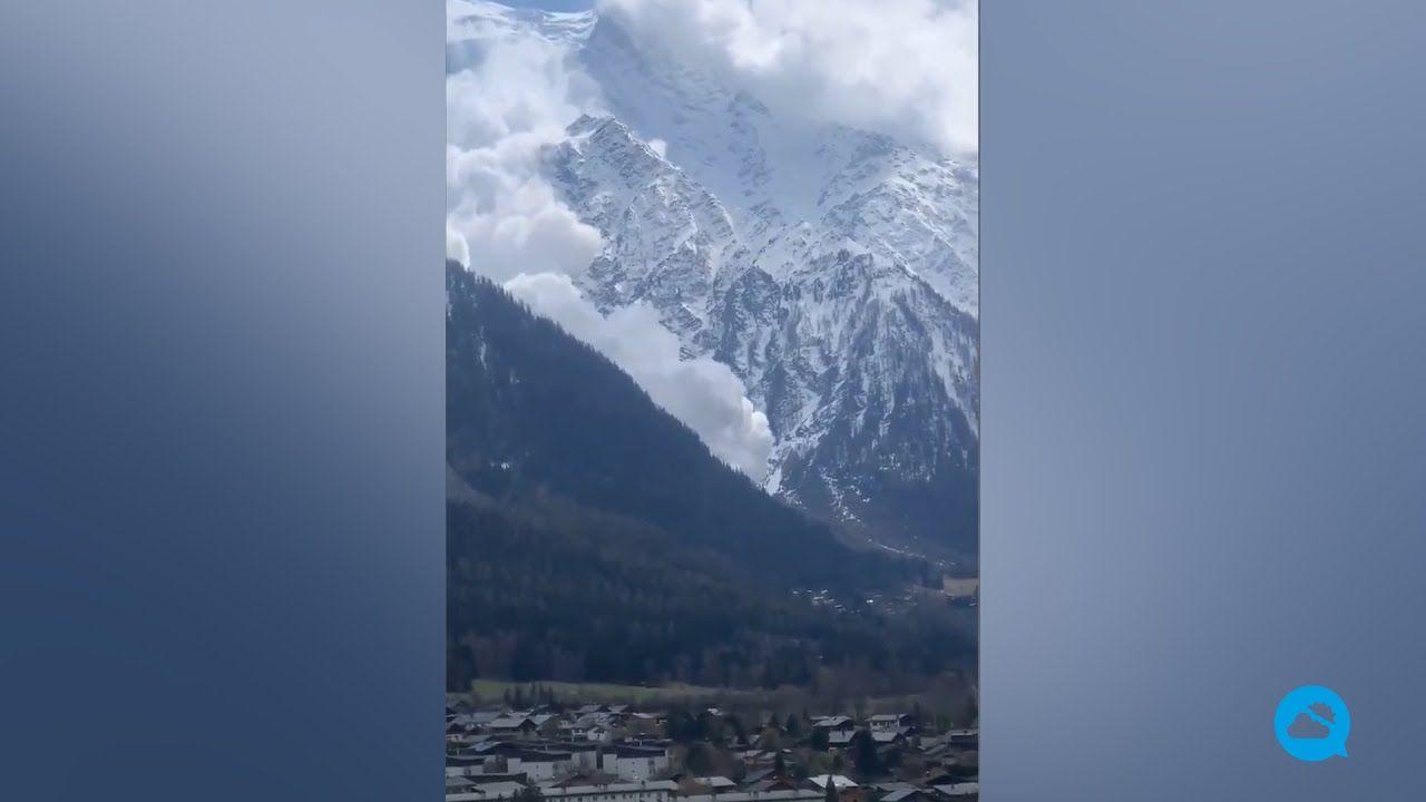 Espectacular avalancha en el macizo del Mont Blanc, Francia