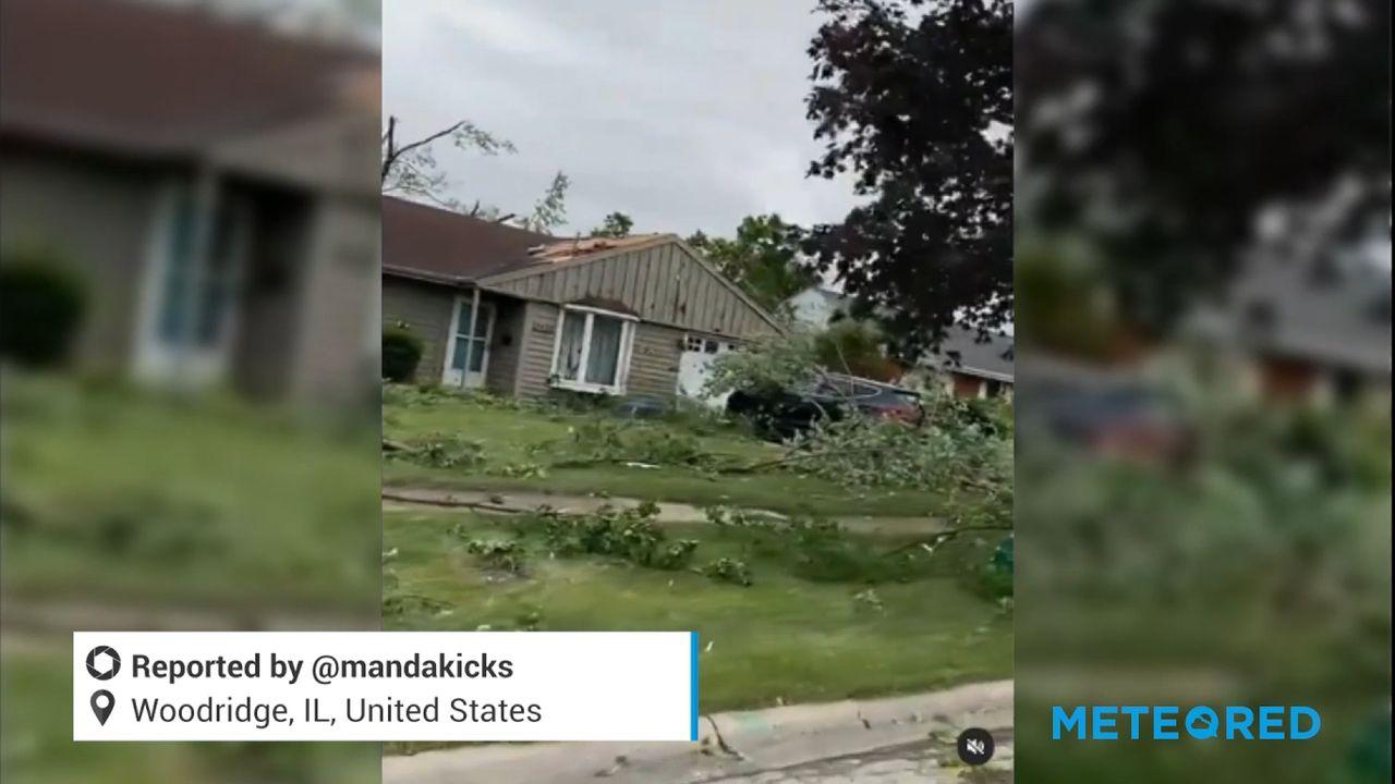 Tornado hits Woodridge, Illinois, US, causing major damage