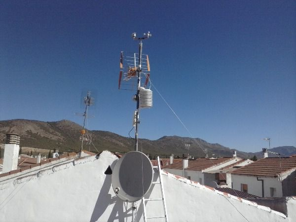 Photos Weather station METEOHUESCAR